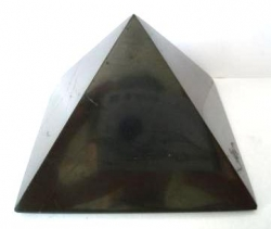 Shungite pyramid polished 8x8 cm