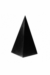 Shungit high pyramid polished 9 cm