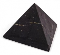 Shungite pyramid polished 4x4 cm - kopie