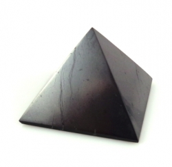 Shungite pyramid for the drivers polished 4cm